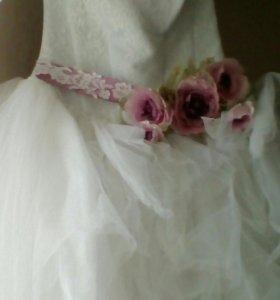 Платье свадебное.р-р44-46