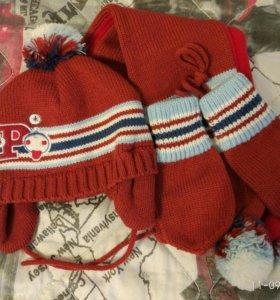 Комплект шапка, шарф и рукавички .