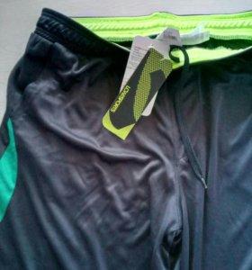 Новые эластиковые шорты для занятий спортом