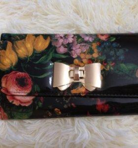 Красивый цветочный клатч-кошелек