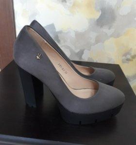 Туфли новые 38 р-р