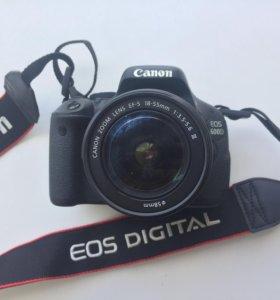 Зеркальная камера Canon 600D