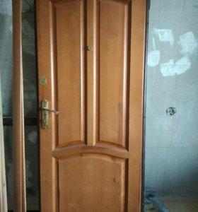 Дверь входная .