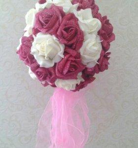 Шар из латексных роз