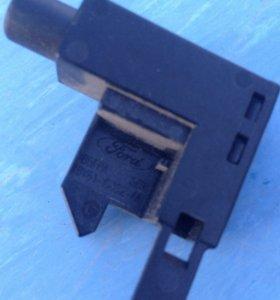 Концевик ручника форд фокус 3