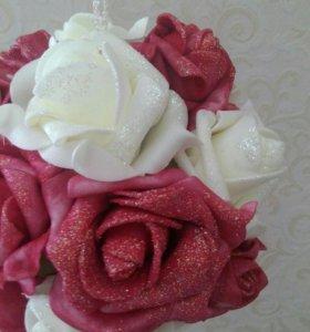 Шар из латексных роз малый