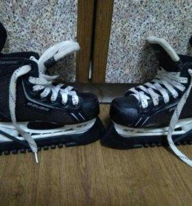 Детские хоккейные коньки Bauer Supreme Y12 р.29.5