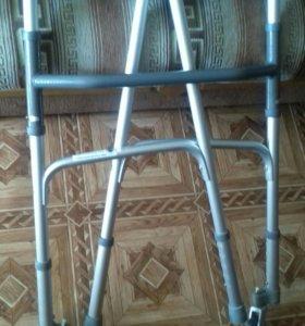 Ходунки для пожилых и инвалидов на колесах