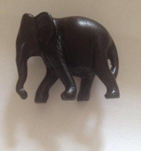 Фигурка слона из камня