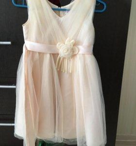 Пышное нарядное платье на 5 лет