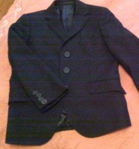 Костюм на мальчика Gulliver+чёрные брюки в подарок