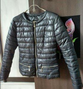 Куртки женские 42-44 размера