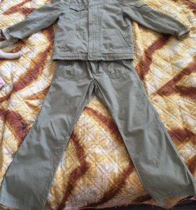 Костюм для мальчика (ветровка и брюки)