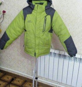 Продам зимнию куртку .