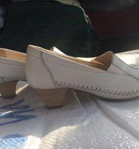 Кожаные туфли 40 размера