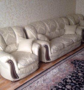 Диван и два кресло