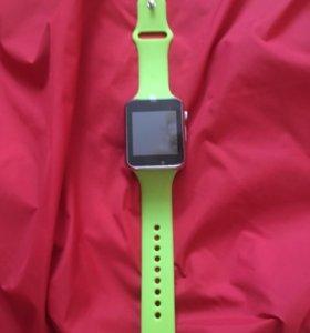 Умные смарт часы, зеленые