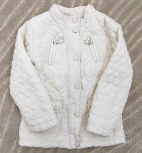 Фирменная курточка для девочки, на 4-5 лет