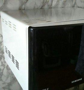 Микроволновая печь Samsung с кронштейном