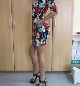 Платье новое обтягивающее