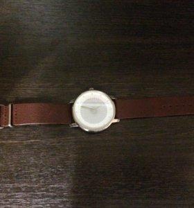 Часы наручные Reserved