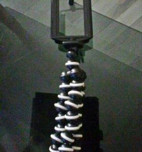 Подставка-осьминог для телефона