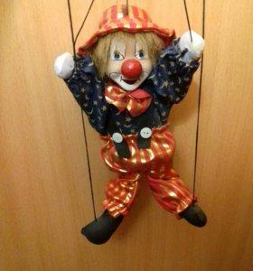 Игрушка клоун на ниточках