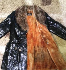 Куртка кожаная-лаковая