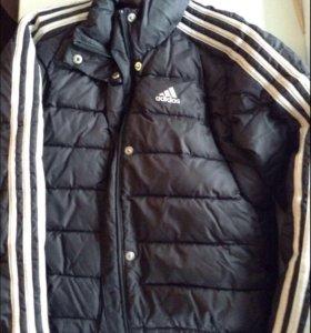 Куртка подростковая Адидас в отличном состоянии
