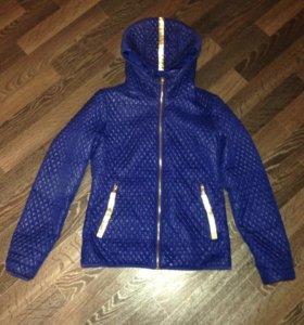 Курточка в идеальном состоянии!!!