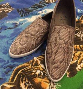Туфли женские ( слиппоны )