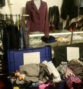 Платья,джинсы,майки и т.д