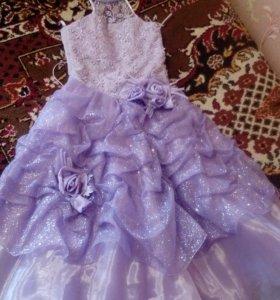 Платье на 6-9 лет