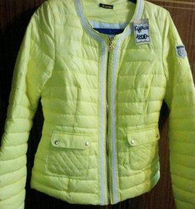 Новая куртка р.46-48