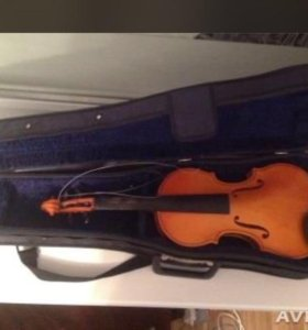 Скрипка с футляром