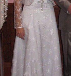 Свадебное платье с болеро и фатой