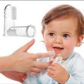 Первая зубная щетка / прорезыватель