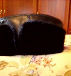мужская шапка\пирожок\кожа.нерпа.новая.черная