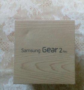 Продаю Samsung Gear 2neo