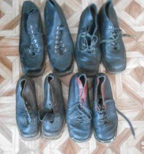 Ботинки -туфли под лыжы