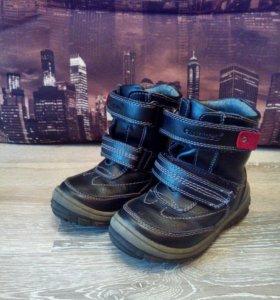 Зимние ботиночки р.25