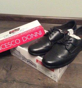 Новые женские туфли (37 размер)