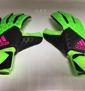 Адидас Adidas перчатки вратарские. Футбол