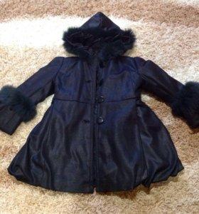 Тёплая курточка с меховыми вставками 5-6лет