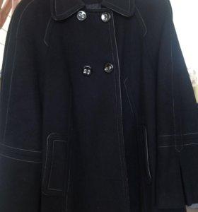 Пальто осеннее,свободного кроя,размер 50