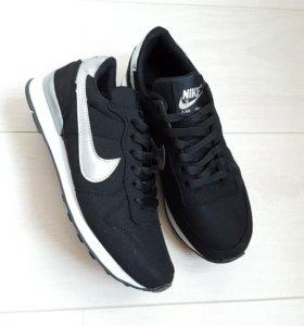 Новые кроссовки Nike 35замша