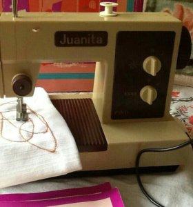 Детская швейная машина производства ГДР