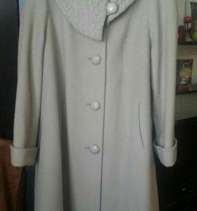 Пальто размер 54-56 полный. 2500р.