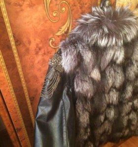 Жилетка(куртка в подарок )