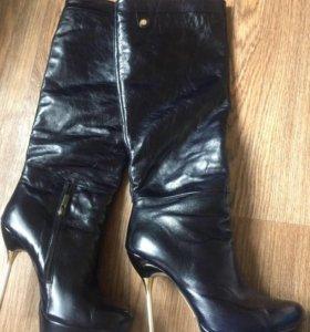 Кожаные, стильные сапоги 39 размер